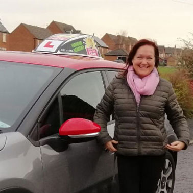 Marie - Female driving instructor in Crobsy